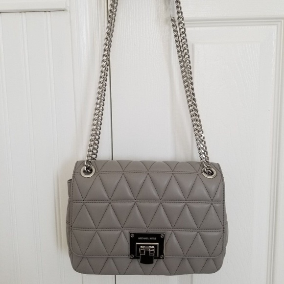 858045658746 Michael Kors Bags | Vivianne Flap Quilted Pearl Grey Bag | Poshmark
